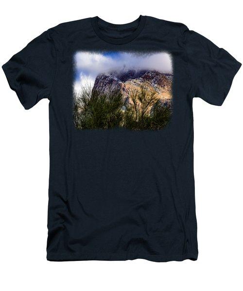 Bit Of Snow Men's T-Shirt (Athletic Fit)