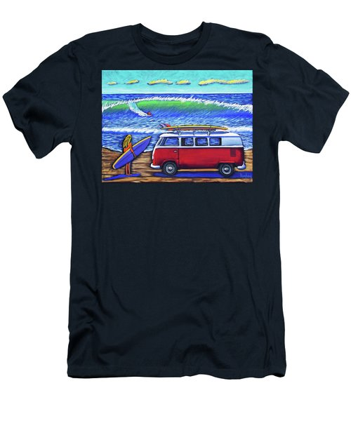 Checking Out The Waves Men's T-Shirt (Athletic Fit)