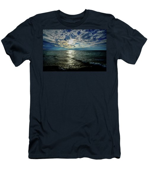 Close To Sunset... Men's T-Shirt (Athletic Fit)