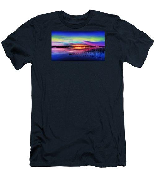 Duck Sunset Men's T-Shirt (Athletic Fit)