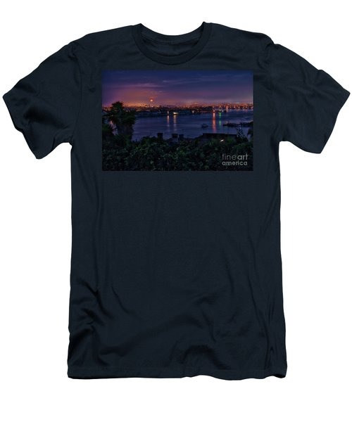 First Moonset Of 2018 Men's T-Shirt (Athletic Fit)