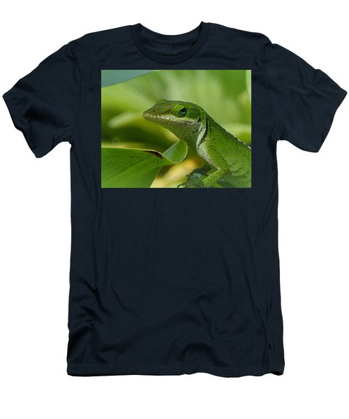Green Gecko On Green Leaves Men's T-Shirt (Athletic Fit)