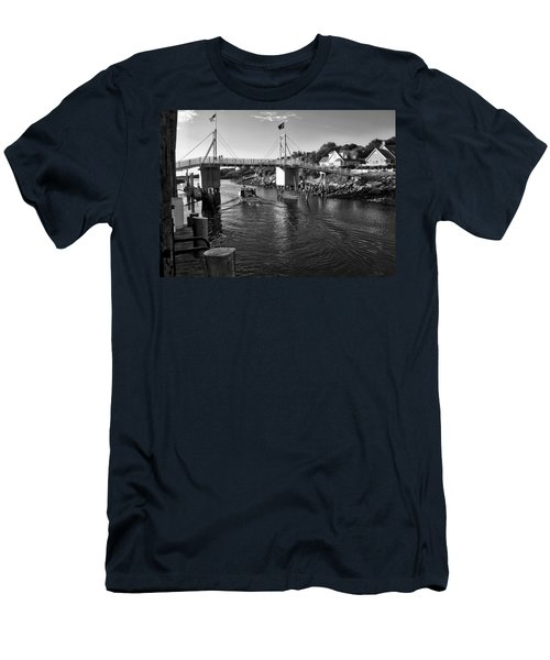 Heading To Sea - Perkins Cove - Maine Men's T-Shirt (Athletic Fit)