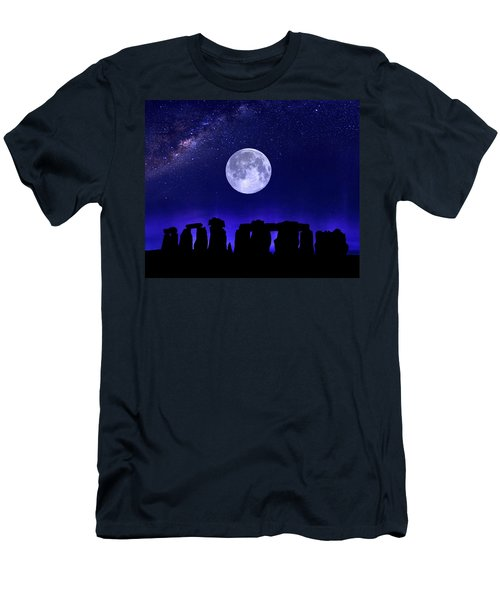 Henge Under The Supermoon Men's T-Shirt (Athletic Fit)