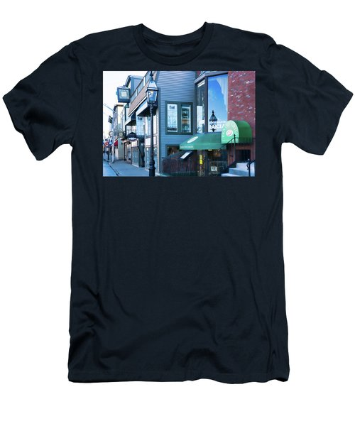 Historic Newport Buildings Men's T-Shirt (Athletic Fit)