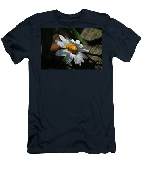 Lone Daisy Men's T-Shirt (Athletic Fit)