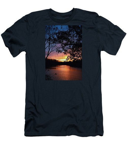 Lost Sunset Men's T-Shirt (Athletic Fit)