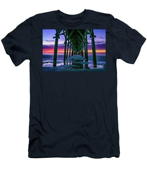 Low Tide Pier Men's T-Shirt (Athletic Fit)