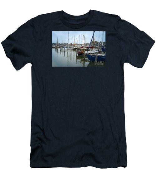 Marken Harbour Men's T-Shirt (Athletic Fit)