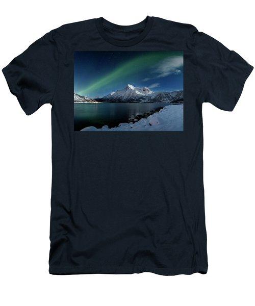 Mt Stortinden Men's T-Shirt (Athletic Fit)