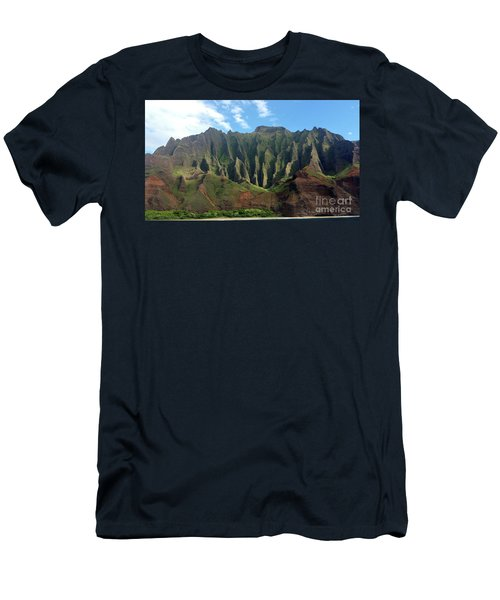 Na Pali Coast Men's T-Shirt (Athletic Fit)