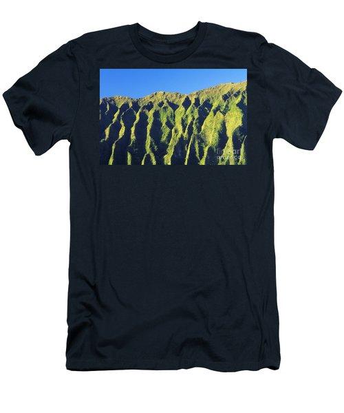 Oahu Koolau Mountain Men's T-Shirt (Athletic Fit)
