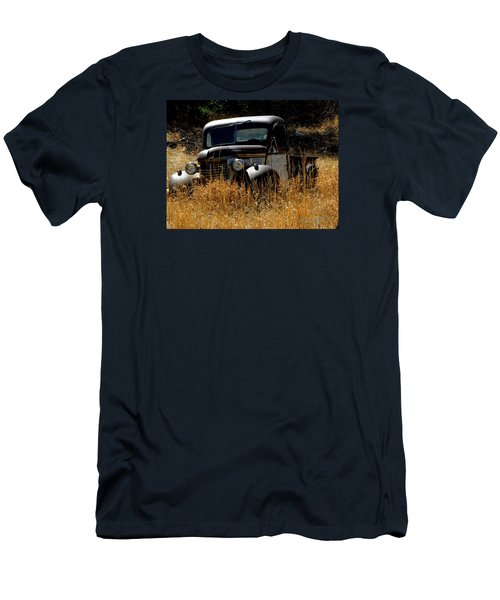Old Pickup Truck Men's T-Shirt (Athletic Fit)