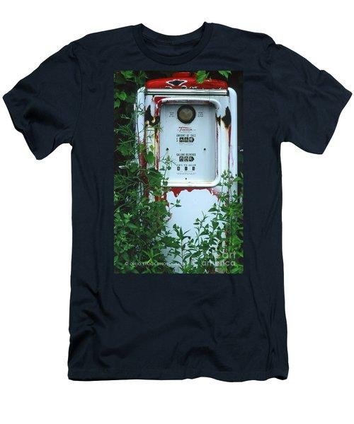 6g1 Old Tokheim Gas Pump Men's T-Shirt (Athletic Fit)