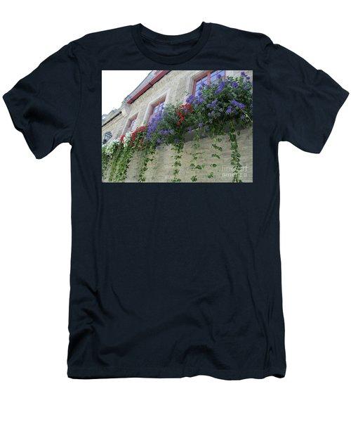 Quebec City 49 Men's T-Shirt (Athletic Fit)