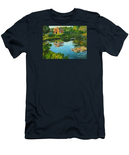 Red Barn In Kennebunkport Me Men's T-Shirt (Athletic Fit)