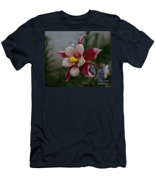 Red Columbine Men's T-Shirt (Athletic Fit)