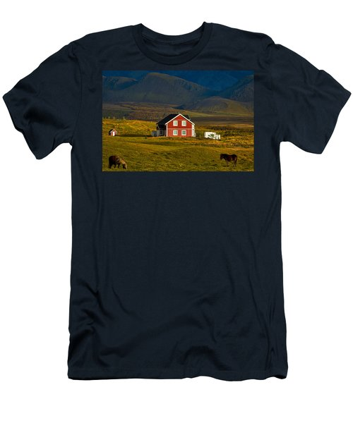 Red House And Horses - Iceland Men's T-Shirt (Athletic Fit)