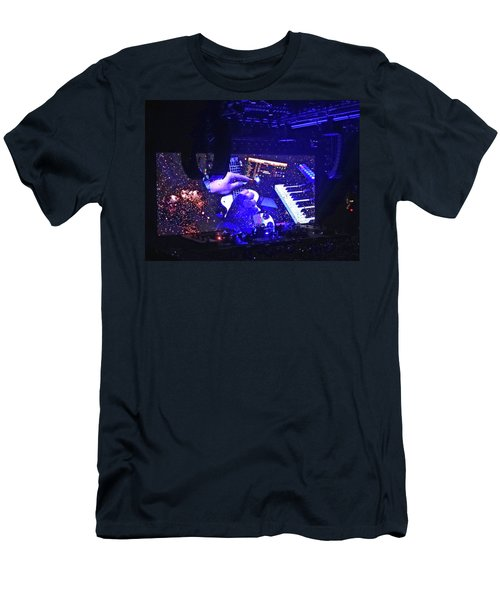 Roger Waters 2017 Tour - Breathe Reprise Men's T-Shirt (Athletic Fit)