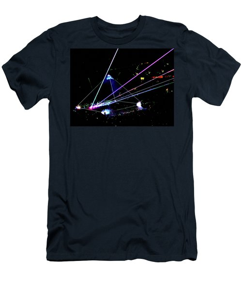 Roger Waters Tour 2017 - Eclipse  Men's T-Shirt (Athletic Fit)