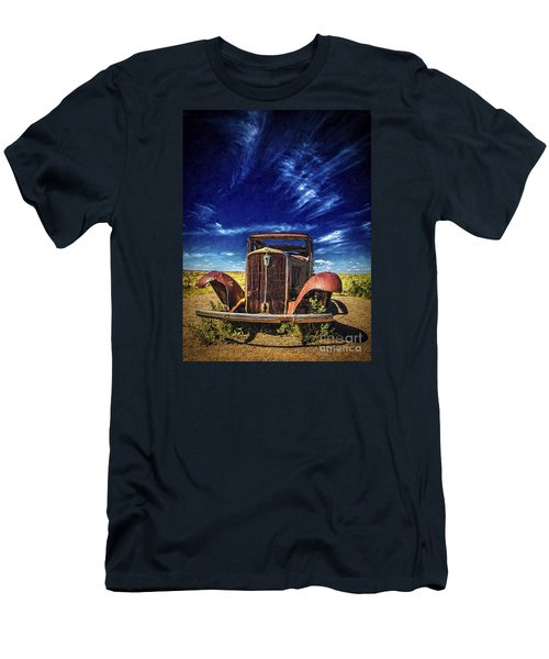 Route 66 Derelict  ... Men's T-Shirt (Athletic Fit)