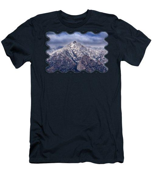 Samaniego Snow H58 Men's T-Shirt (Athletic Fit)