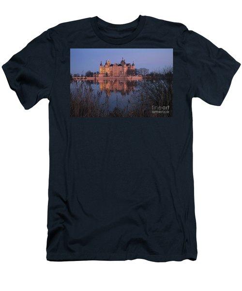 Schwerin Castle 2 Men's T-Shirt (Athletic Fit)