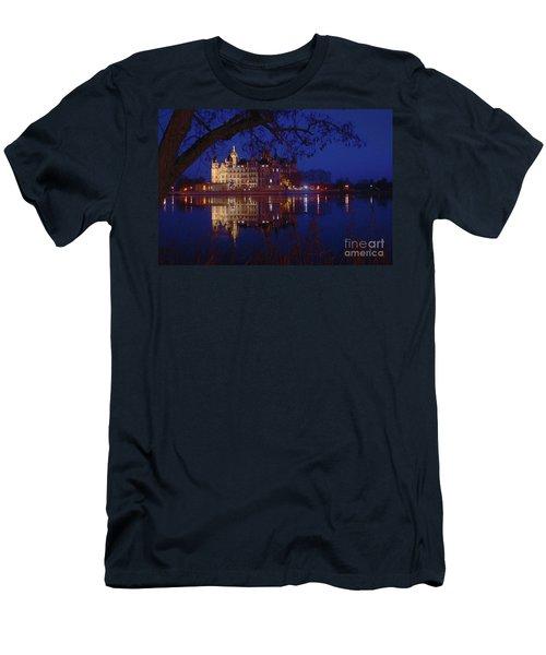 Schwerin Castle 5 Men's T-Shirt (Athletic Fit)