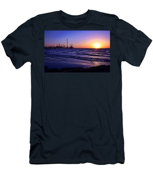 Seagull Sunrise Men's T-Shirt (Athletic Fit)