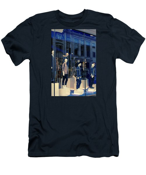 Store Window, London,uk Men's T-Shirt (Athletic Fit)
