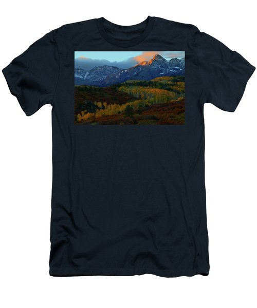 Sunrise At Dallas Divide During Autumn Men's T-Shirt (Athletic Fit)