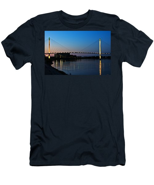 Sunset On The Bob Kerry Pedestrian Bridge Men's T-Shirt (Athletic Fit)