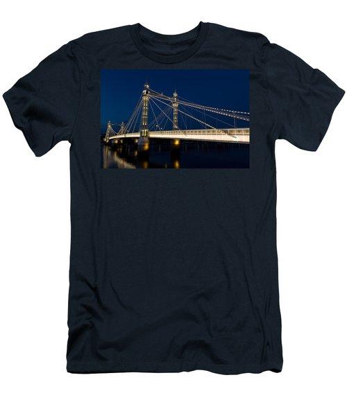 The Albert Bridge London Men's T-Shirt (Athletic Fit)