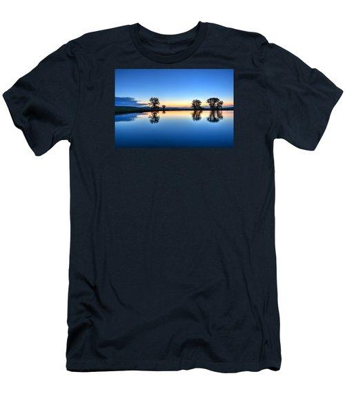 The Blues Men's T-Shirt (Slim Fit) by Fiskr Larsen
