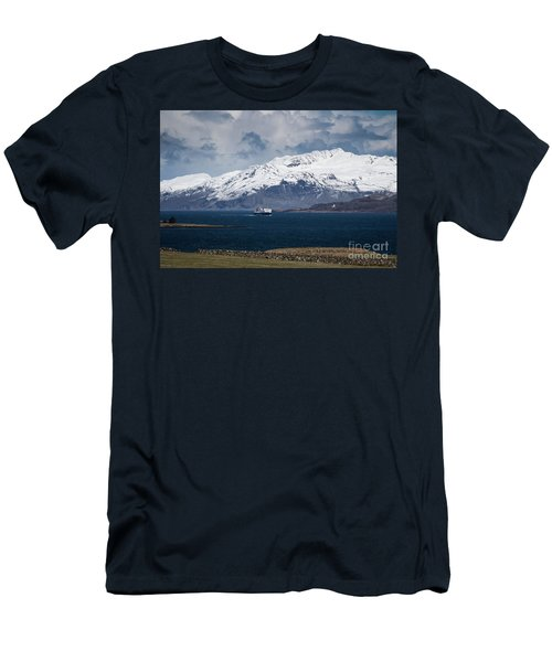 The Sound Of Mull Men's T-Shirt (Athletic Fit)