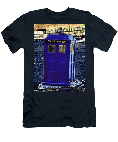 The Tardis Men's T-Shirt (Athletic Fit)