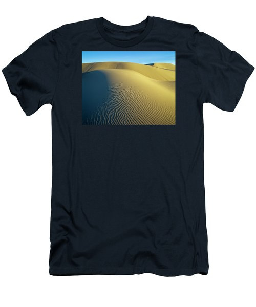 Umpqua High Dunes Men's T-Shirt (Athletic Fit)