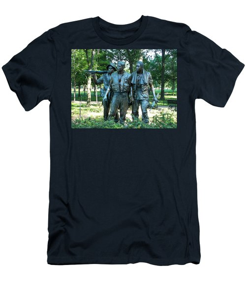 Vietnam War Memorial Statue Men's T-Shirt (Athletic Fit)