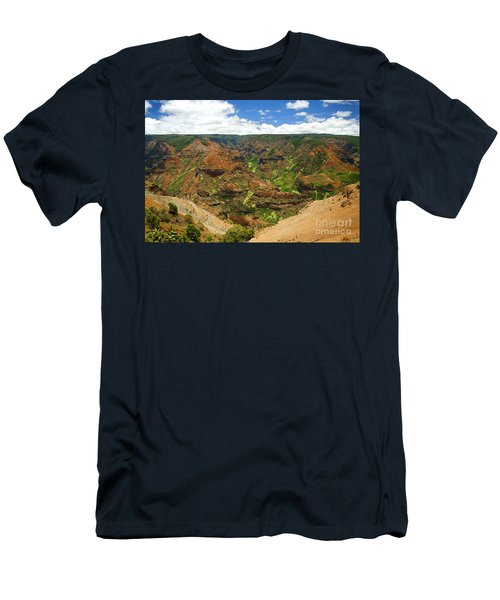 Waimea Canyon And Blue Sky Men's T-Shirt (Athletic Fit)