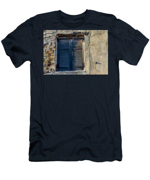 Zakynthos Town Window Men's T-Shirt (Athletic Fit)