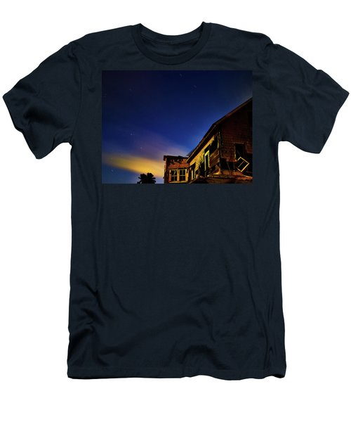 Decaying House In The Moonlight Men's T-Shirt (Athletic Fit)