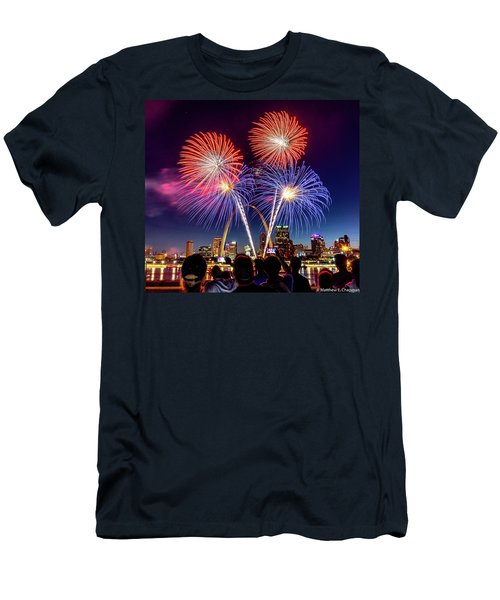 Fair St. Louis Fireworks 6 Men's T-Shirt (Athletic Fit)