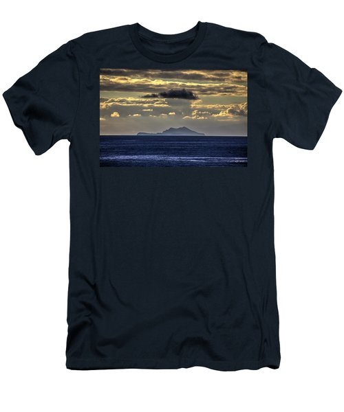 Island Cloud Men's T-Shirt (Athletic Fit)