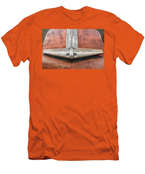 1945 Ford Pick Up Men's T-Shirt (Athletic Fit)