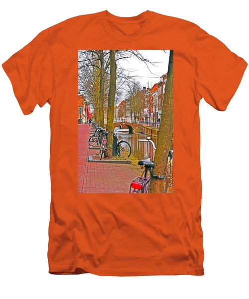 Bikes And Canals Men's T-Shirt (Athletic Fit)