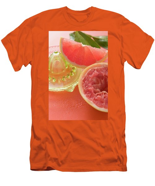Pink Grapefruit Wedge, Squeezed Grapefruit, Citrus Squeezer Men's T-Shirt (Athletic Fit)