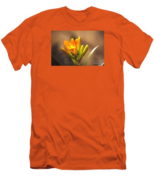 Single Kaffir Lily Bloom Men's T-Shirt (Athletic Fit)