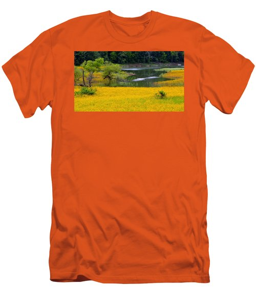 Tennessee Black-eyed Susan Field Men's T-Shirt (Athletic Fit)