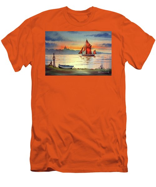 Thames Barge At Maldon Essex Men's T-Shirt (Athletic Fit)