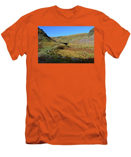 Annascaul Lake And Mountains Men's T-Shirt (Athletic Fit)